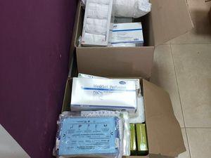 Les cartons de Françoise, Céline, Tierra et Mia arrivés à la Fondation Benjamin Mehnert après pas loin de 2500 kms.