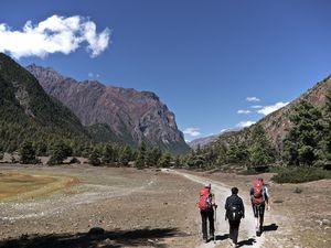De Chame (2 660 m) à Pisang (3 330 m)