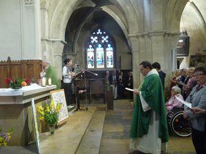 Installation, dimanche 8 septembre, de l'abbé Yves Grosjean, curé des paroisses d'Arnay le Duc et Bligny sur Ouche
