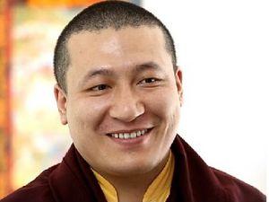 17ème Karmapa, Orgyen Trinley Dorgé (à gauche), Trinley Thayé Dorgé (à droite)