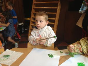 Certains ont réalisé l'empreinte des feuilles de capucines à la peinture.