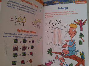 Petits jeux de calcul trop rigolos. Du CM1 au CM2. 9-10 ans. Hachette Education, mars 2014. Celui-ci est dans le même esprit que le précédent mais axé sur les maths. J'ai personnellement un peu de mal à associer calcul et rigolo mais il est vrai que sous cette présentation, les maths sont beaucoup moins rébarbatifs ! Ce livre regroupe 50 jeux de calcul, 30 jeux d'observation et 40 jeux de logique (suites, labyrinthes, tableaux…)