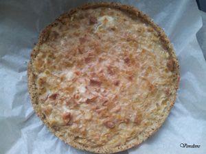 Fond de tarte quinoa/riz avec de la moutarde à l'ancienne -- Quiche version 1 après cuisson.