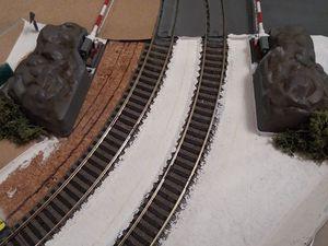 Je finis par rajouter quelques buissons sur les rochers du pn ainsi que sur l'un des côtes du tunnel.