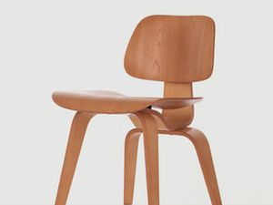 1945  DCW and LCW Chairs