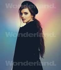 Emma Watson pose pour Wonderland Magazine