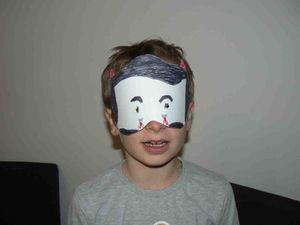 Une autre fois, chez Cécile, fabrication de masques de monstres
