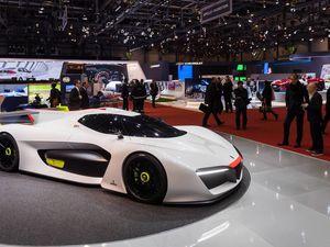 14/04/2016: Le concept car hydrogène H2_Speed de Pininfarina et GreenGT sacrée au salon de Genève 2016