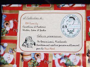 Même le père Noël a mis à disposition des ouvrages pour nous aider à préparer notre voyage au pôle Nord ... Les titis ont apprécié