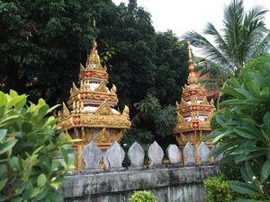Le bouddhisme est la religion dominante du Laos.