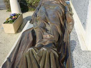 Le gisant (cliquez sur les photos)
