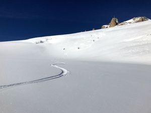 Hors pistes, free Ride vallée de Chamonix Mont blanc www.geromegualaguidechamonix.com