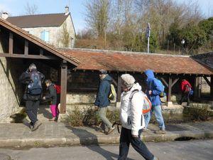 Rennemoulin - Le lavoir Saint Nicolas nous attendait pour le pique-nique ! (ph.Josiane)