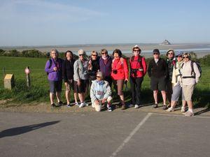 Et nous voilà !!! 17 randonneurs prêts à affronter le soleil et  les sables mouvants ...
