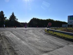 Désormais, une fois arrivés au stop, les automobilistes devront tourner à droite en direction du rond-point du Vendéopôle pour rejoindre Fontenay. Les aménagements réalisés le seront dans la continuité de ceux de l'avenue Mitterrand.