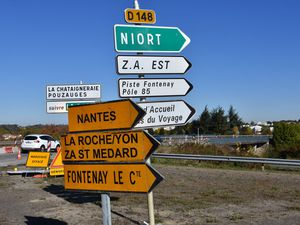 Sécurité routière ► l'entrée de Fontenay le Comte route de la Rochelle en travaux