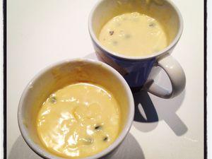Mon mug aux myrtilles et à la crème... Un dessert rapide pour se faire plaisir !