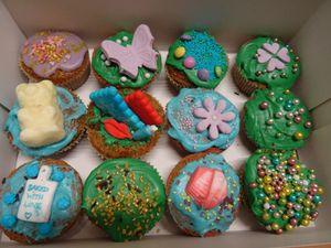 Les Cupcakes de ma fille Mathilde (13 ans ) la STAR de cette journée :-)