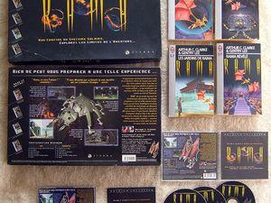 """Ma """"Limited Edition"""" en anglais (à gauche),  et la somptueuse version collector en français (à droite)"""
