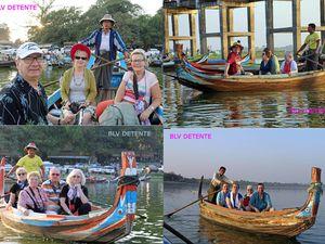 """Dans des barques en observation du pont """"U BEIN"""" au coucher de soleil"""