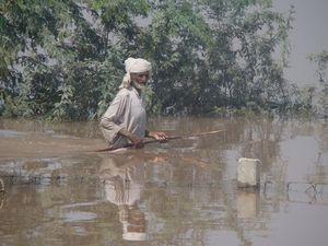 پاکستان میں سیلاب سے دس لاکھ سے زائد افراد متاثر، حکام