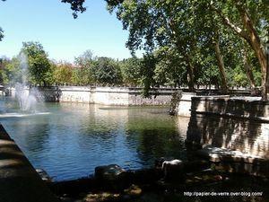 La source originelle de la ville, Nemausa, donne son nom à la ville et fut le centre de nombreuses installations antiques