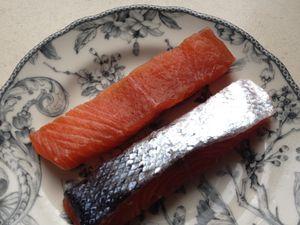 saumon gravlax ( plus MAJ magret de canard et filet mignon séchés et un peu d'aide de Momo)