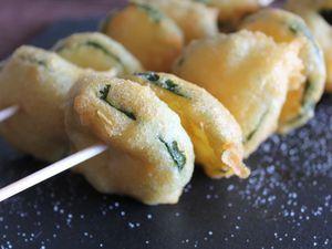 bunyols de verdures (beignets à la poudre d'amandes)