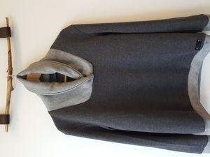 Maille et tricot surjeteuse