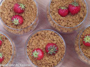 Verrines aux fraises, crème pâtissière et spéculoos...