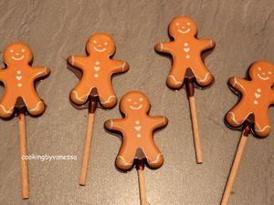 j'ai testé pour vous.... les moules à sucettes chocolat de ScrapCooking avec divers chocolat et un colorant