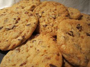 Cookies, figues, pépites de chocolat et zeste d'orange