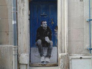 """Un petit aperçu de l'exposition de rue """"Oh! Vé qui y a"""" à Marseille réalisée pour l'ouverture de Marseille capitale européenne de la culture."""