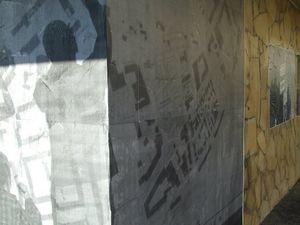 Travail de collage de photos dans le quartier de l'Ariane à Nice