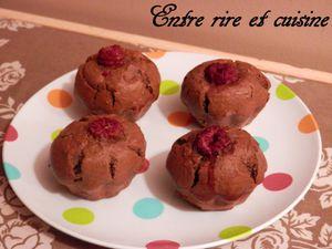 Muffins au Cacao, Noisettes, Ricotta et Framboises + Coup de pouce