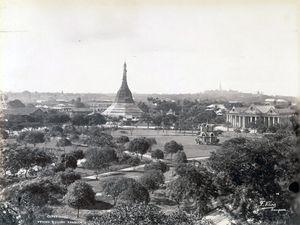 Pagode Sule en 1890 puis 2008