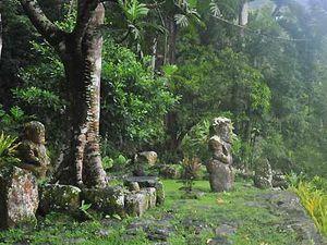 Le site sacré de Te L'Ipona, Les îles Marquises, Polynésie Française