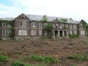 Byberry, un asile de 1906 à 2006, son histoire, Hanté?