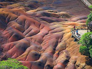 Chamarel, sa cascade, sa terre des 7 couleurs, île Maurice