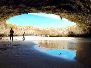 Playa del Amor, la plage cachée, îles Marieta, Mexique