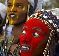 La tribu des Wodaabe, tradition étrange festival Gerewol, Niger