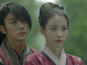 [Cernes sur petit écran] Moonlight drawn by clouds / Scarlet Hearts