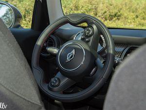 Mini Cooper S (F55) : sport &amp&#x3B; chic
