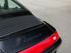 Porsche 911 (993) Carrera 4 : le choix du puriste