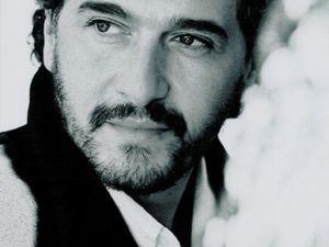 daniel lévi, un auteur-compositeur interprète et pianiste français connu pour sa chanson &quot&#x3B;l'envie d'aimer&quot&#x3B;