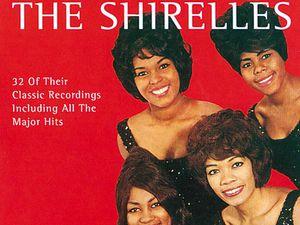 the shirelles, un groupe vocal féminin américain qui fut l'un des plus populaires au début des années 1960
