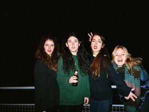 hinds, une jeune formation espagnole, un quatuor féminin garage-rock de madrid
