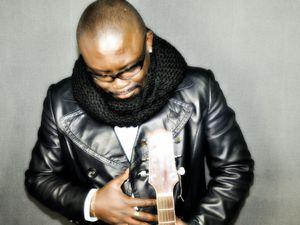 sam'm, un songwriter camerounais à l'inspiration métissée et une voix délicate sur des rythmes africains traditionnels, malgaches ou latins