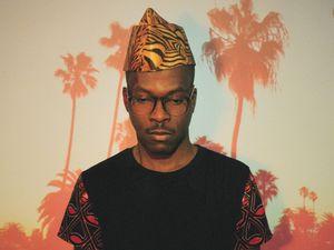 pierre kwenders, un jeune chanteur et producteur congolo-canadien pour un mélange de lingalo nappé d'électro, de hip-hop francophone et de rythmiques bondissantes inspirées de la rumba