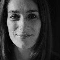 ariana vafadari, une chanteuse iranienne qui explore les divers domaines du récital, de l'oratorio et du théâtre lyrique